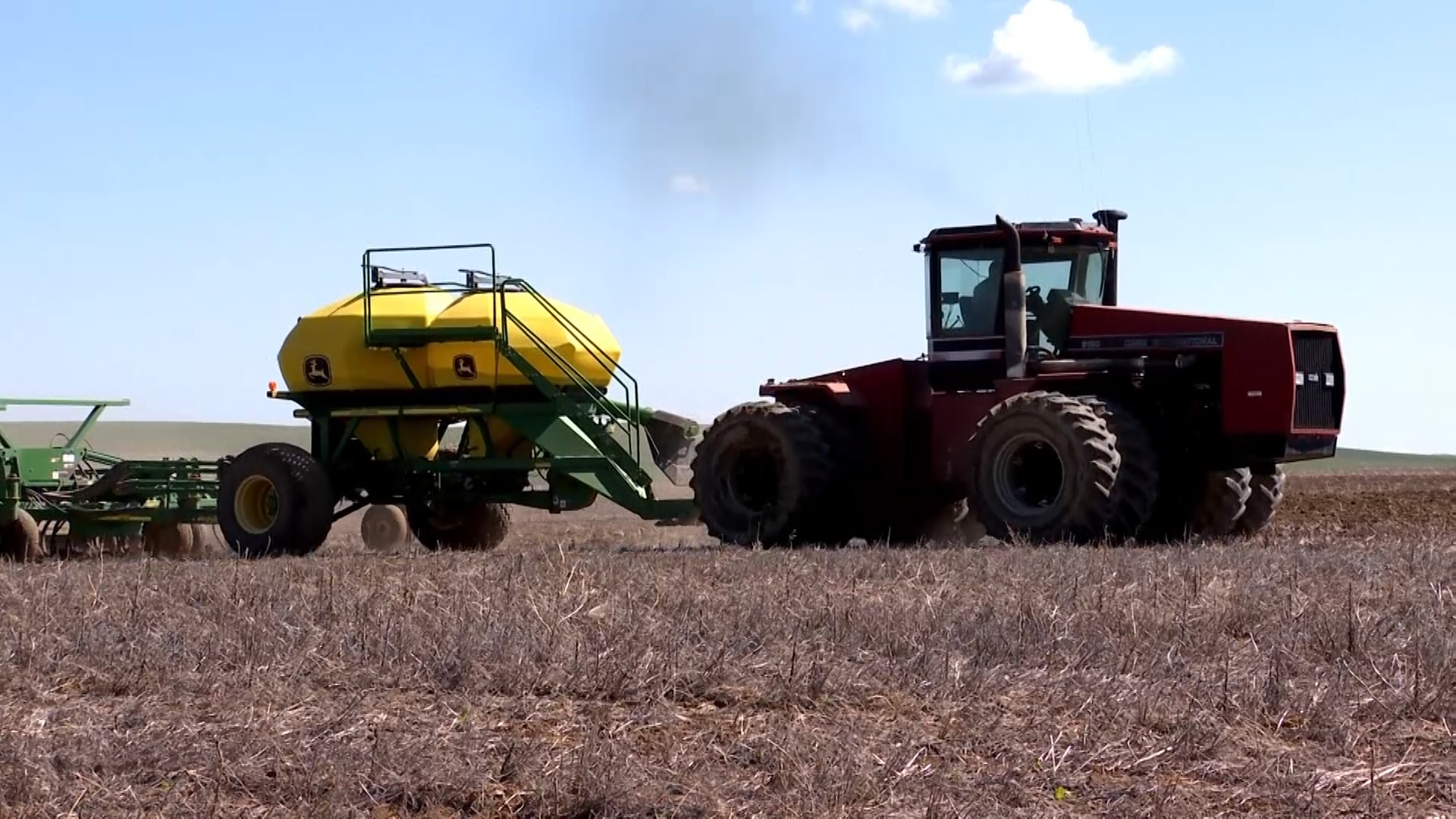 Cautious-Optimism-Seen-in-AEM-s-April-Tractor-and-Combine-Reports